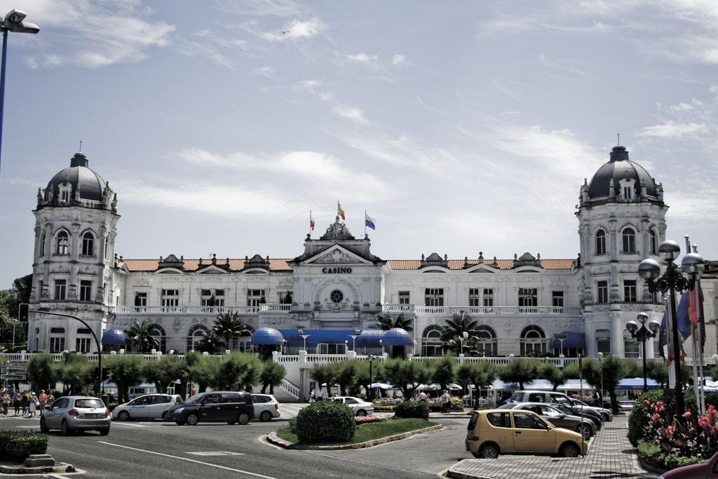 Авиабилеты Барселона  Сантандер  Бронирование по цене от