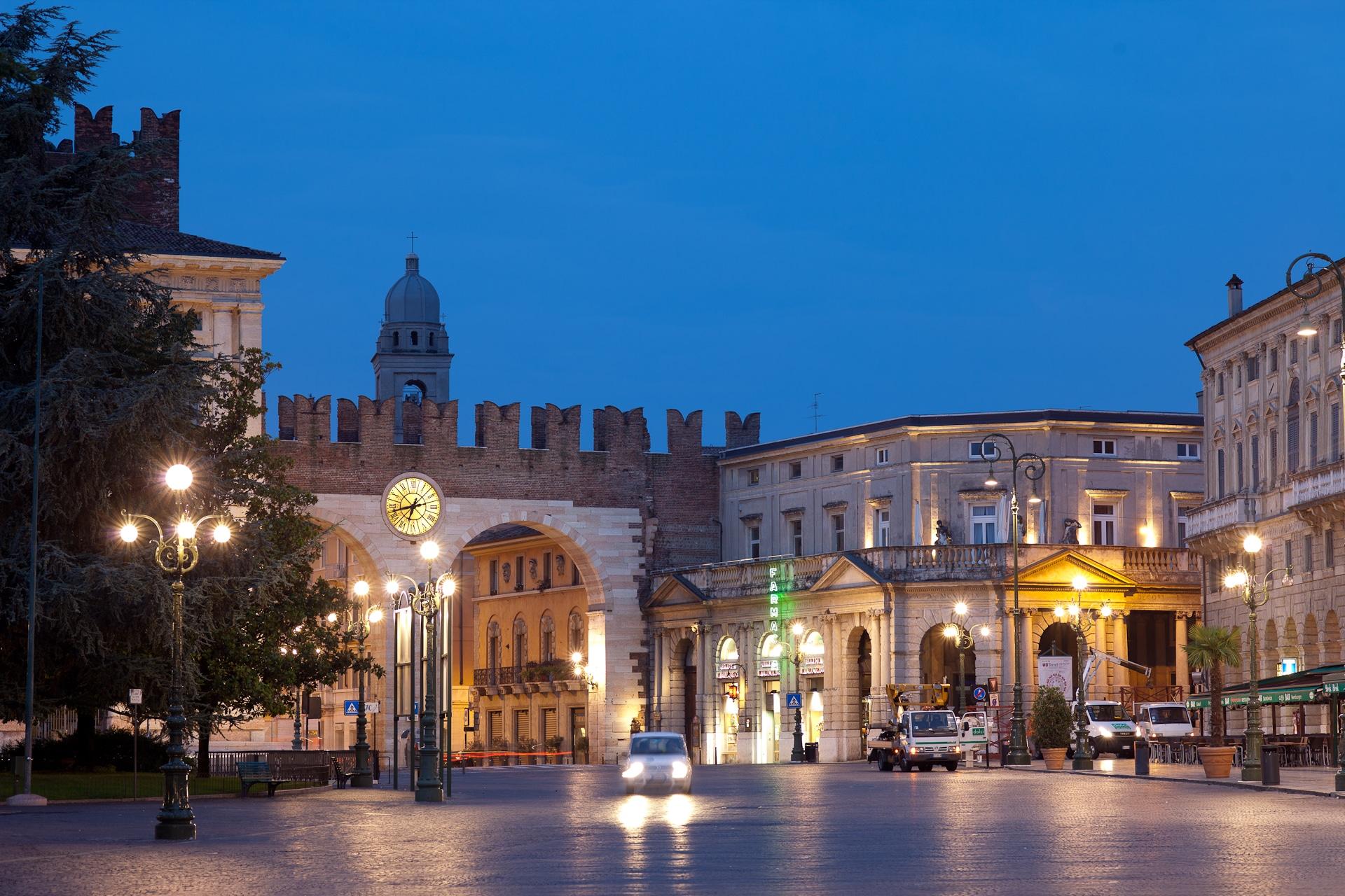 Bus Tours In Verona Italy