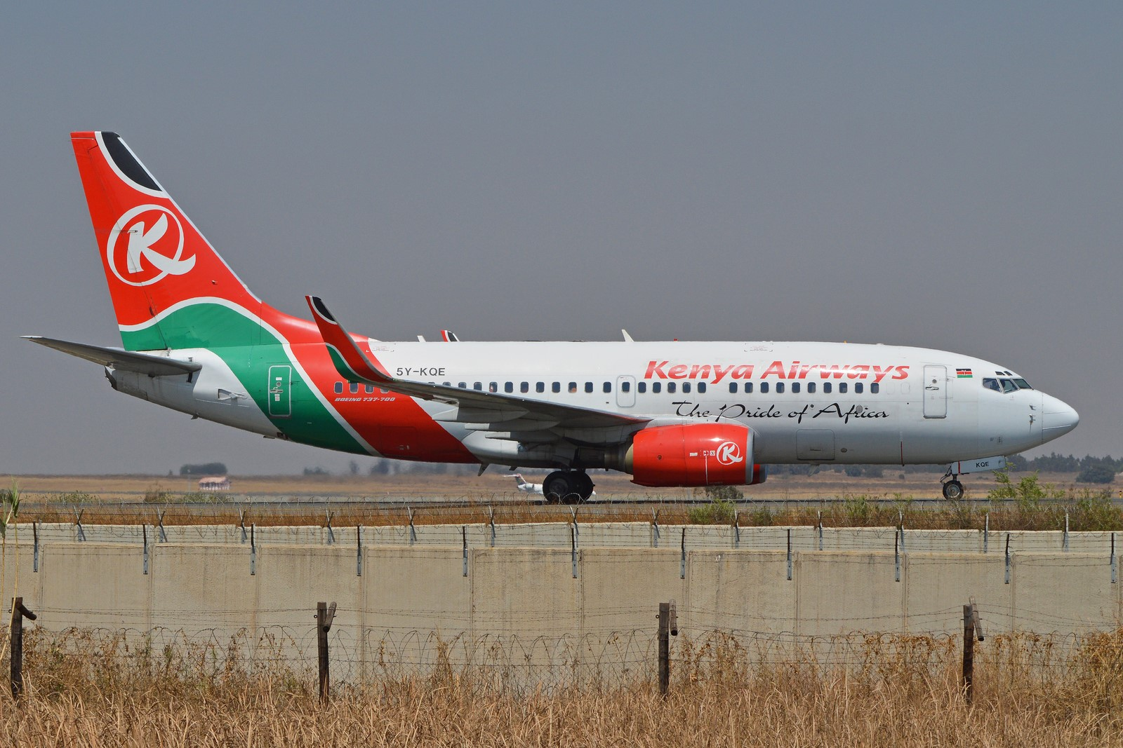 Boeing 737-76N(w) '5Y-KQE' Kenya Airways