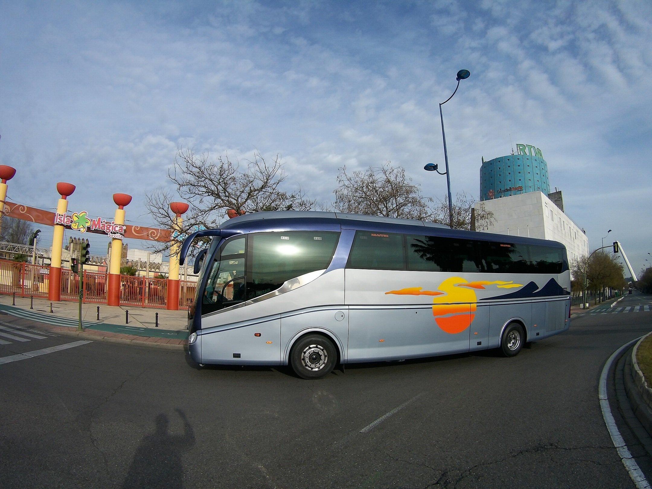 Alquiler De Autobús Autocar Y Minibús En Sevilla España Rent Autobus