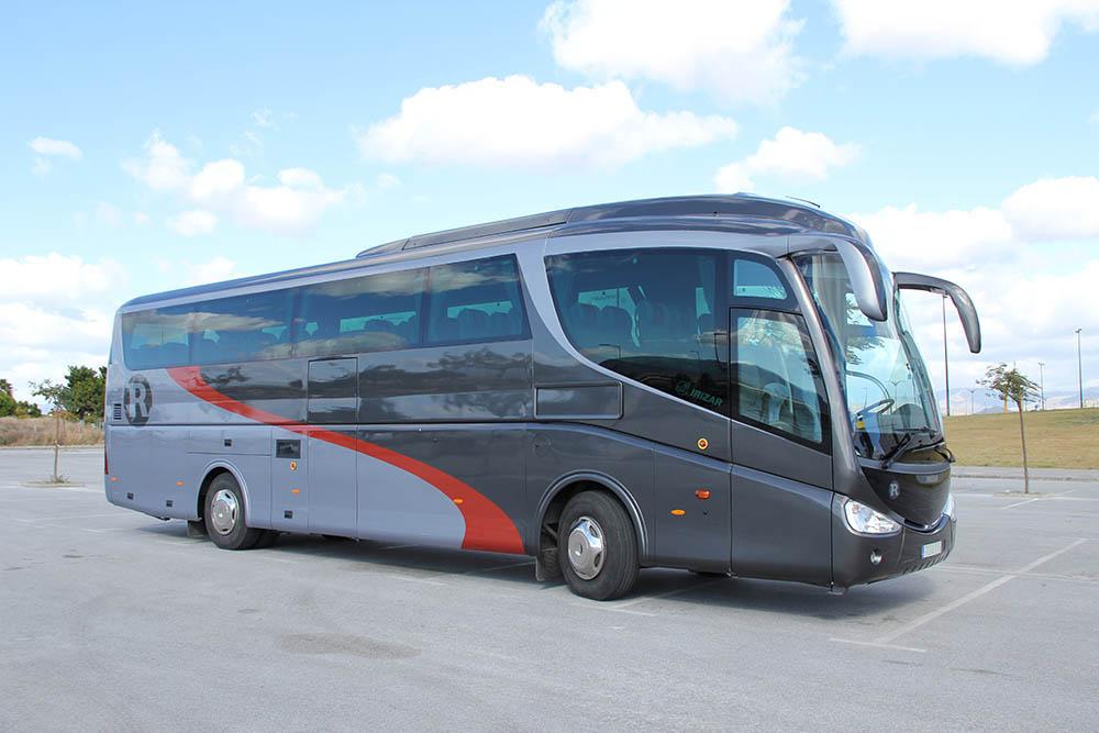 miete von bus reisebus und minibus in m laga spanien. Black Bedroom Furniture Sets. Home Design Ideas