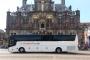 Rolstoeltouringcar huren in Den Haag en Rotterdam